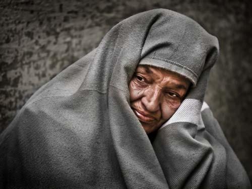 Bognár Róbert::Könnyező arab nő