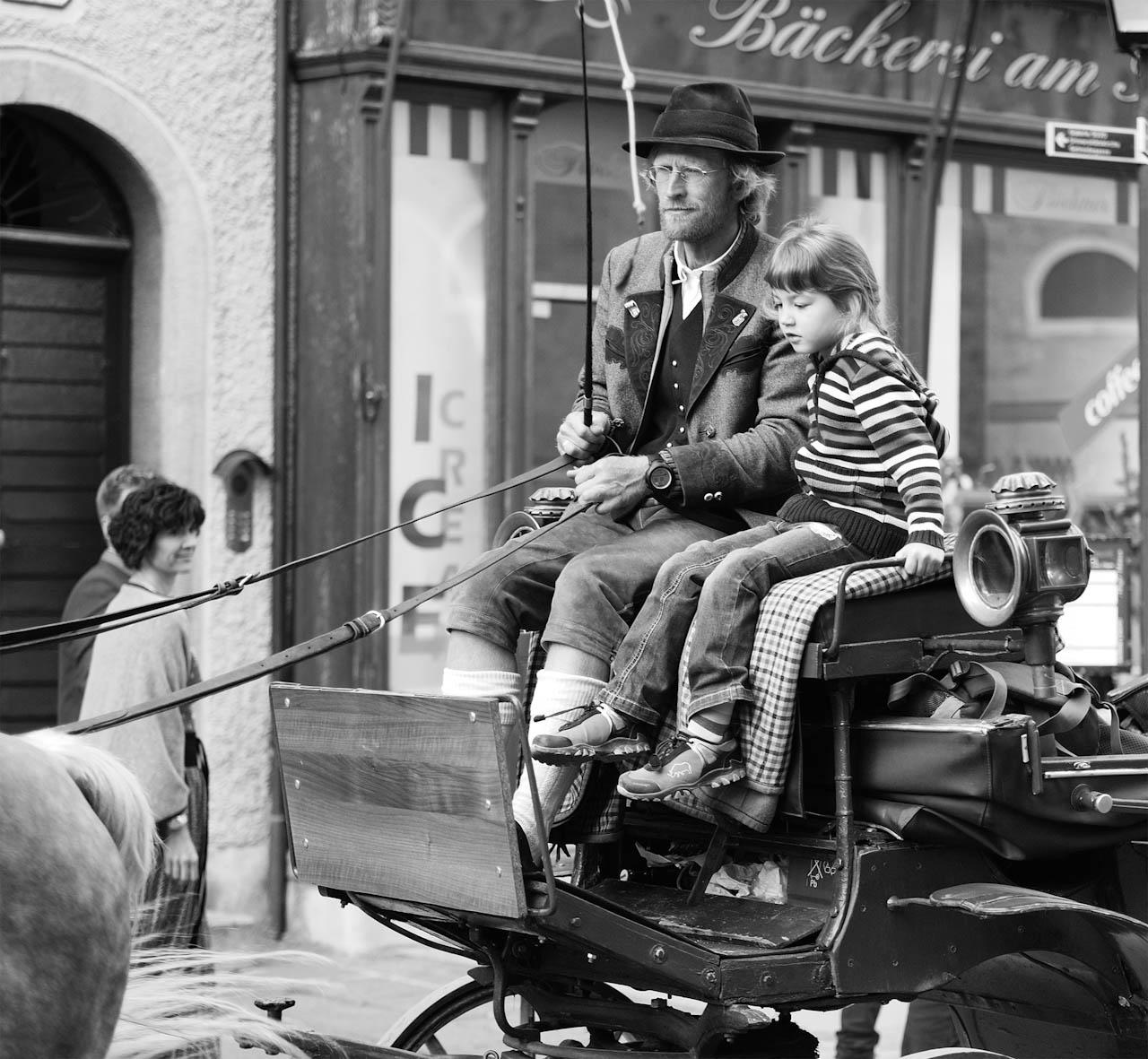 Lovas Arnold::Apa kocsit hajt