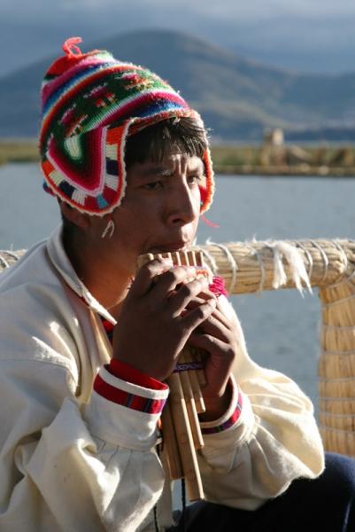 Tóth Tibor::Pánsíppal a Titicaca tavon