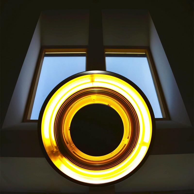 Varga Zsolt Antal::Üveg és lámpa